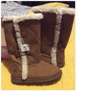 Airwalk Girls Size 4.5 Winter Boots NWT NEW